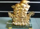 Thuyền buồm đầu rồng vàng E216