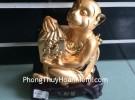 Khỉ vàng ngồi ôm túi phước H370G