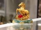 Ngựa hạt châu đỏ đế thủy tinh C109A