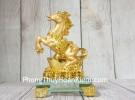 Vua ngựa vàng trên nguyên bảo vàng LN136