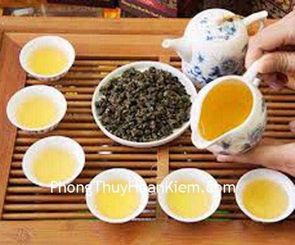 binh tra Tranh bình trà và chén trà