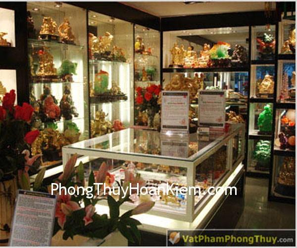 cua hang hn 06 Cách chọn màu sắc cửa hàng phù hợp với trạch quái cửa hàng và mệnh quái chủ cửa hàng?