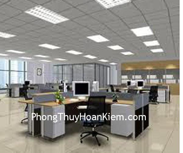 den lam viec Bàn làm việc của nhân viên nên cải thiện điều kiện ánh sáng thế nào?