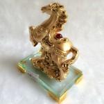 g113.1 150x150 Ngựa vàng trên mây vàng đế thủy tinh G113A