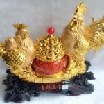 g002a.3 150x150 Gia đình gà trên hũ vàng G002A