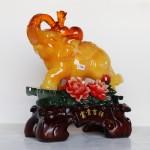c116a voi vang ben mau don 1 150x150 Voi ngọc vàng trên núi mẫu đơn C116A
