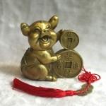 d298.3 150x150 Vua heo đồng tài lộc ôm tiền vàng chiêu tài tấn bảo D298