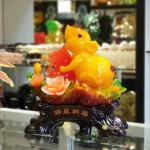 tm003 chuot cam mau don 150x150 Chuột ngọc cam trên mẫu đơn ôm hồ lô TM003