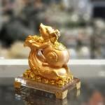 tm023 chuot vang tui vang de thuy tinh 2 150x150 Chuột vàng trên túi vàng đời đời phát tài TM023